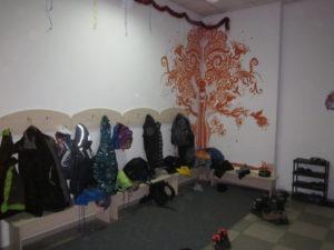 Общая раздевалка в детском клубе Kokoro